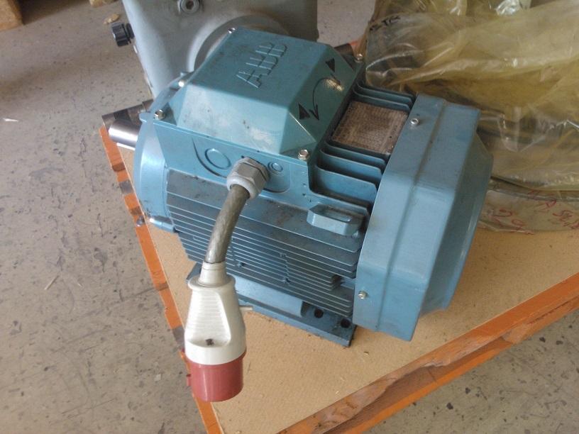 ABB 142AA160MA2  Sähkömoottori