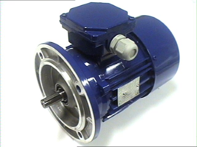B5 laipalliset - Kolmevaihemoottorit Isolaippa