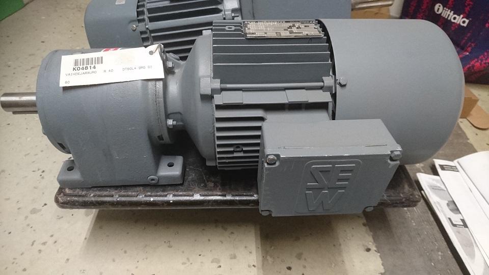 SEWjarruvaihdemoottori R40DT90L4BMG 1,5kW 1310/146